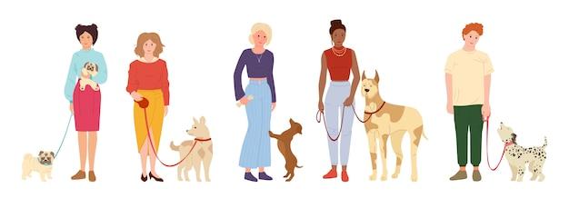 犬を散歩する人。かわいいペットフラット漫画セット。女の子または男の子の犬、野外活動で遊んで。パグ、ダックスフンドまたはダルメシアン。白い背景イラストを分離