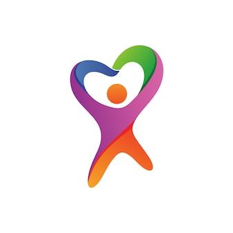 愛の形のロゴのベクトルを持つ人々
