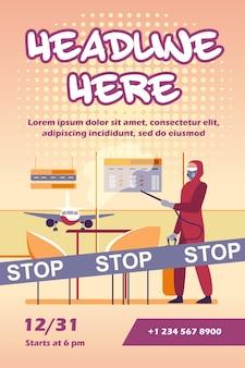 Persona in costume protettivo che disinfetta l'aeroporto dal modello di volantino del virus