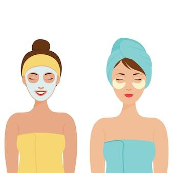 가정에서의 개인 관리. 그녀의 머리와 그녀의 눈 아래 화장품 패치에 수건으로 여자. 그녀의 얼굴에 화장품 마스크와 여자입니다.