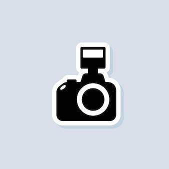 사진 카메라 스티커. 카메라 아이콘입니다. 사진 개념입니다. 격리 된 배경에 벡터입니다. eps 10.