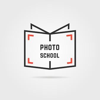 Логотип школы фото с тенью. концепция библиотеки, продажа знаний, вебинар, компьютерщик, фильм, хобби, ставня, этикетка книжного магазина. плоский стиль тенденции современного бренда дизайн векторные иллюстрации на сером фоне