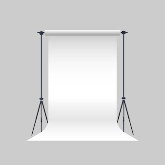 フォトスタジオベクトル。三脚に空白の白いキャンバス。リアルなプロの写真スタジオ。