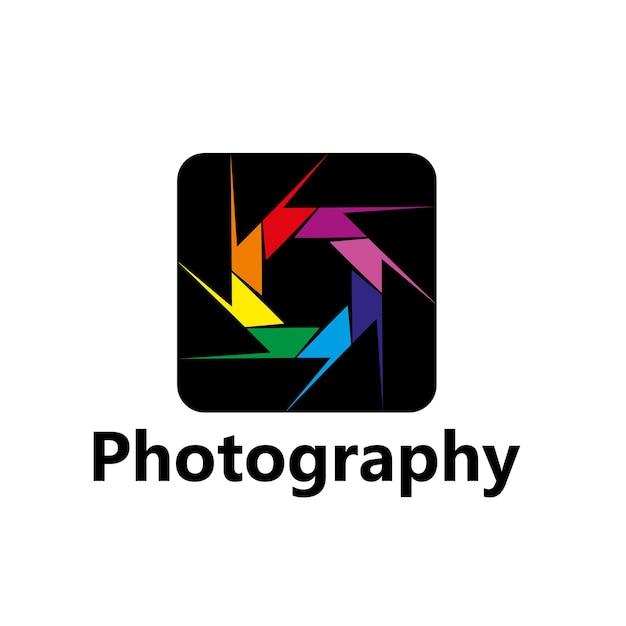 カラフルな葉やブレード、写真家の写真スタジオや写真の創造的なワークショップのデザインとダイヤフラムの写真ベクトルアイコン。レインボーフォトカメラ絞りシャッター分離記号