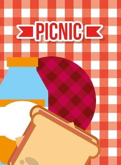 Свежий сок и сэндвич с пикником