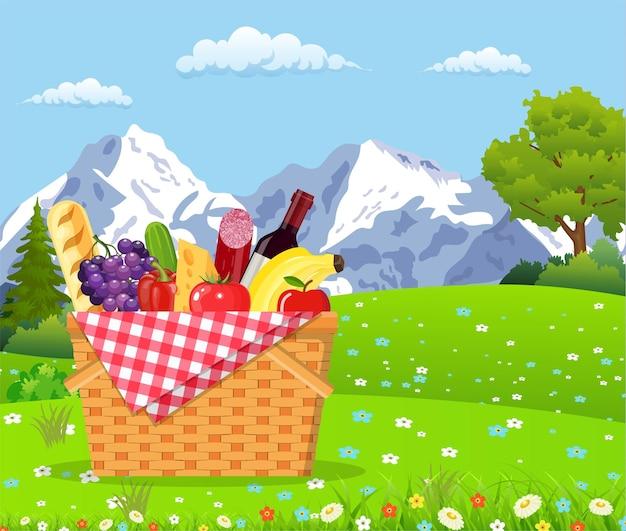 山でのピクニック。