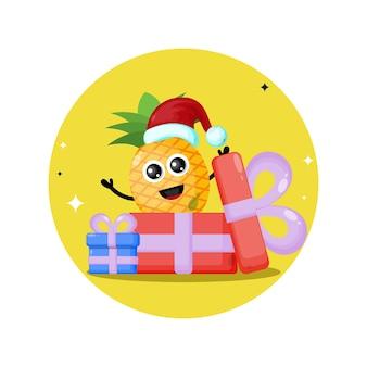 パイナップルクリスマスプレゼントかわいいキャラクターロゴ