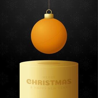 Пьедестал рождественской безделушки для пинг-понга. с рождеством христовым спортивная поздравительная открытка. повесьте на нитке мяч для настольного тенниса как рождественский мяч на золотом подиуме на черном фоне. спорт векторные иллюстрации.