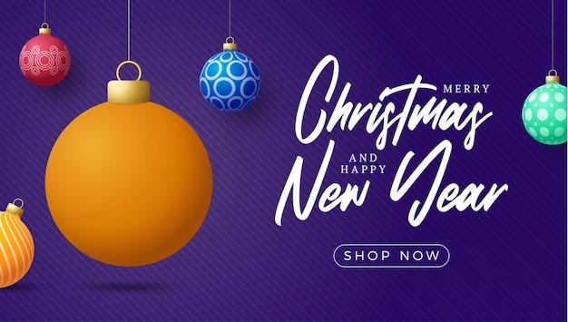 Пинг-понг с рождеством и новым годом роскошные спортивные открытки. мяч для настольного тенниса как рождественский бал на фоне. векторная иллюстрация.