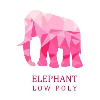 白い孤立した背景にピンクの象。低ポリ。ベクトルイラスト。