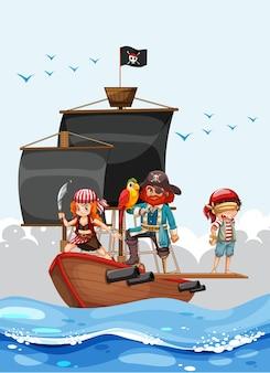 Concetto di pirata con un personaggio dei cartoni animati dell'uomo che cammina sull'asse della nave