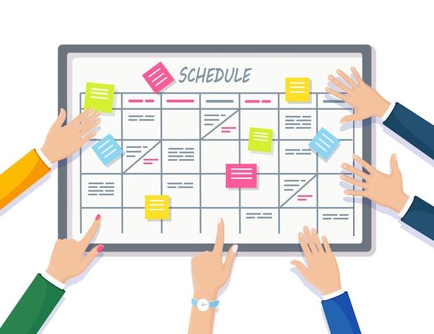 작업 보드 개념에 대한 계획 일정. 플래너, 화이트 보드의 캘린더. 고용인을위한 이벤트 목록