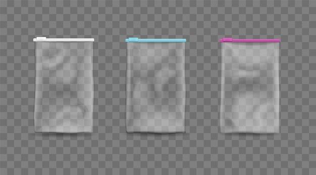 Пластиковые пакеты на изолированном шаблоне молнии. пустой прозрачный пакет