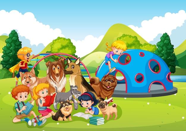 많은 아이들과 애완 동물이있는 놀이터 야외 장면