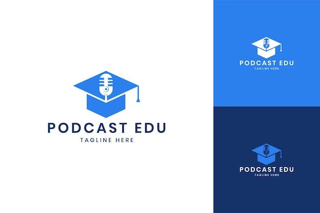 팟캐스트 교육 부정적인 공간 로고 디자인