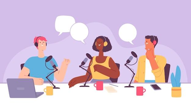 팟캐스트 녹음. 인터뷰를 하는 헤드셋의 라디오 쇼 호스트. 마이크와 노트북이 있는 음악 스튜디오. 블로거 방송 벡터 개념입니다. 일러스트레이션 팟캐스트 인터뷰 라디오