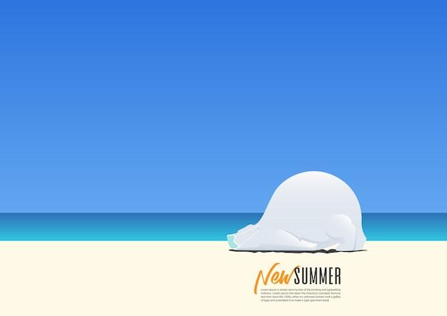 Белый медведь носит маску для безопасности и спит на пляже во время новых летних каникул. новый нормальный для отдыха после коронавируса