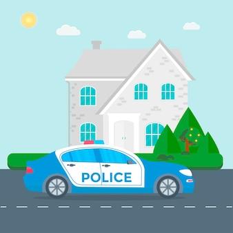 パトカーで道路をパトロールする警察、