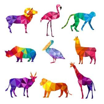 多角形の動物。動物の三角形の幾何学的形状パターンの折り紙コレクションの低ポリ動物園シルエット。野生の幾何学的な動物の多角形の図、野生動物ポリゴン動物園