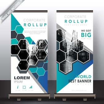 Polygonal roll up banners