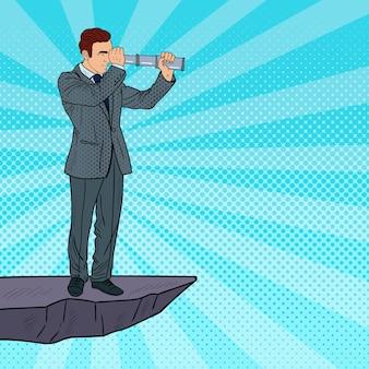 Поп-арт бизнесмен с телескопом на вершине горы. бизнес стратегия.