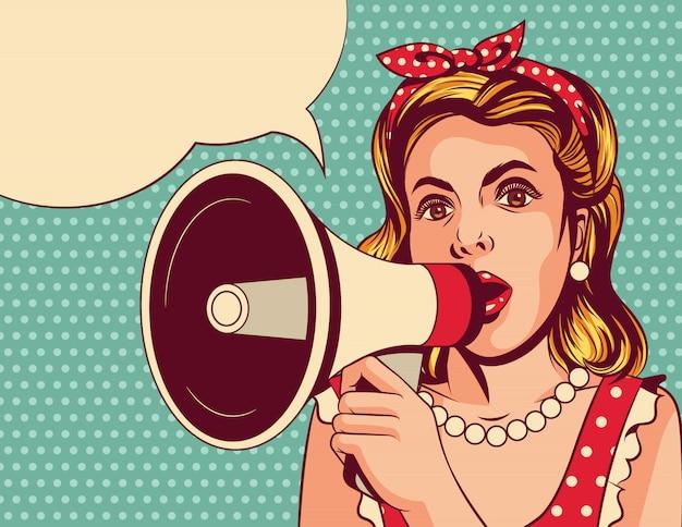 スピーカーを持つ美しい少女のポップアートコミックスタイルのイラスト。若い女性はメガホンで話します。マウスピースで青い背景に赤いドレスを着た女性のビンテージポスター