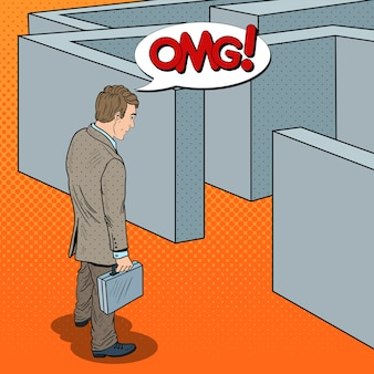 Поп-арт сомнительный бизнесмен с портфелем, стоя перед лабиринтом.