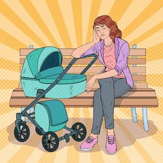 Поп-арт бессонная молодая мать, сидящая на скамейке в парке с детской коляской. концепция материнства. усталая женщина с новорожденным ребенком.