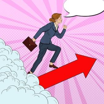 Поп-арт успешная деловая женщина идет к вершине через облака.