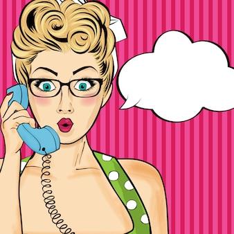 Поп-арт женщина в чате на ретро-телефоне