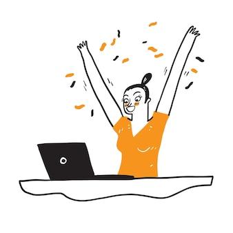 Портрет взволнованной молодой девушки с портативным компьютером и празднует успех