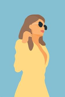 Портрет модной женщины в солнечных очках.
