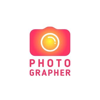 Позитивный логотип для фотографа или студии.