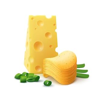 Стек картофельные хрустящие чипсы с сыром и луком крупным планом, изолированные на белом фоне