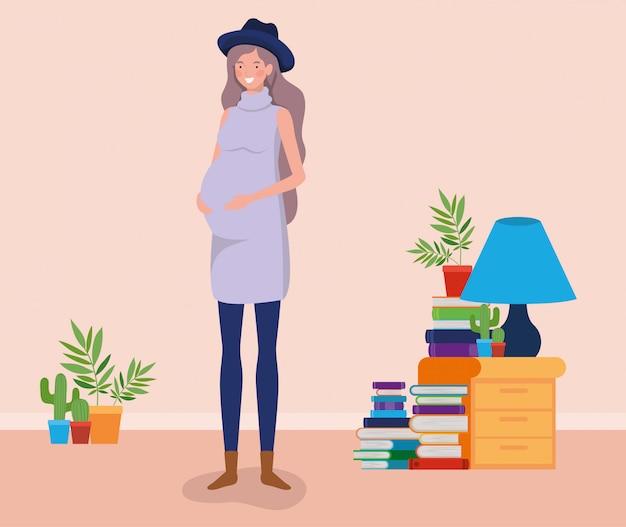 Donna di gravidanza nella scena del posto della casa