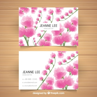 ピンクの花を持つかなりコーポレートカード