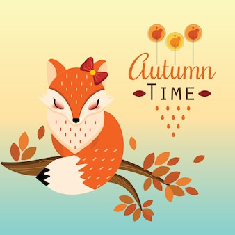 Pretty foxy сидит на ветке осенью