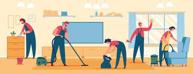 Профессиональная команда уборщиц, занимающихся уборкой дома, пылесосит пол и мебель