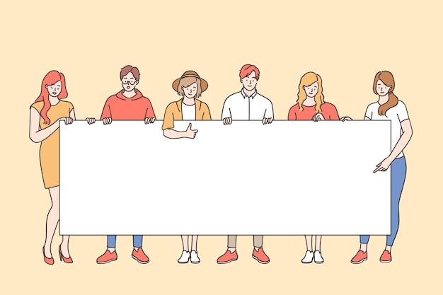 시위대 또는 활동가 개념. 젊은 남자와 여자 만화 캐릭터의 그룹이 함께 서 손에 흰색 빈 보드를 들고