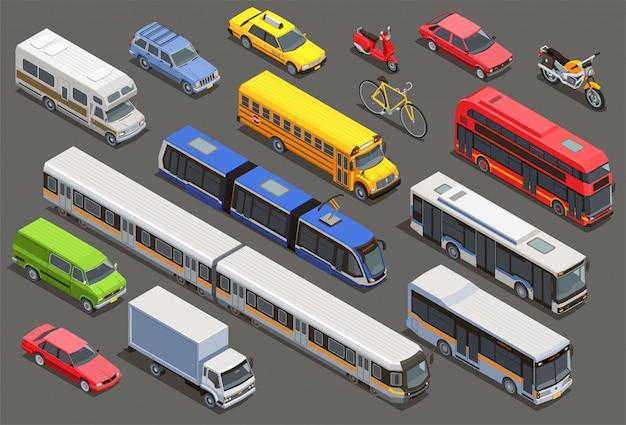 Изометрическая коллекция общественного городского транспорта с изолированными изображениями частных автомобилей, велосипедов и городского транспорта.