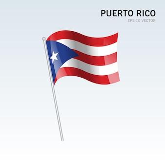 푸에르토 리코 회색에 고립 된 깃발을 흔들며