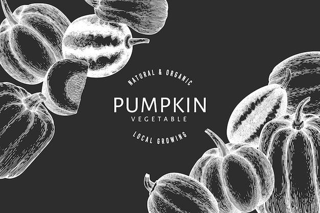 チョークボードにカボチャの手描きイラスト。カボチャの収穫とレトロなスタイルの感謝祭の背景。秋の背景。