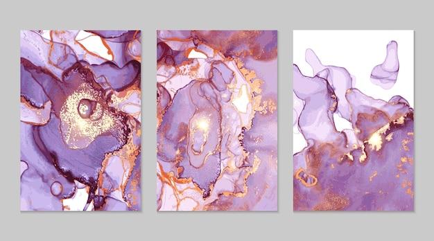 Абстрактная текстура фиолетового и золотого мрамора в технике спиртовых чернил