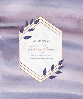 幾何学的な植物性大理石のフレームと紫のブラシストローク水彩デザイン。