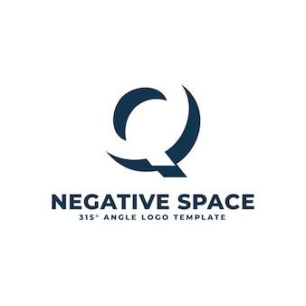 Qロゴモダンクリーンネガティブスペース幾何学的な文字ベクトル図