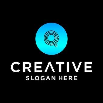 Q tech logo design