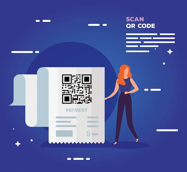 ビジネスの女性とバウチャーのコードqrをスキャンします。