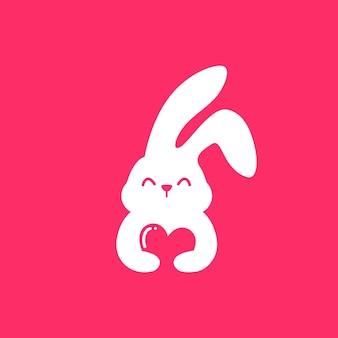 Rabbit huggin a heart