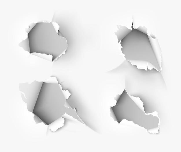 Рваная дыра в разорванной бумаге