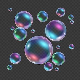 透明な背景に分離された虹色のカラフルな水中バブル。反射のある空気または石鹸の水泡のリアルなイラスト。フローティング虹色の光沢のあるシャンプーフォームボール。